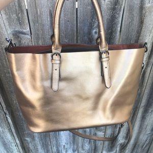 Gold color, purse